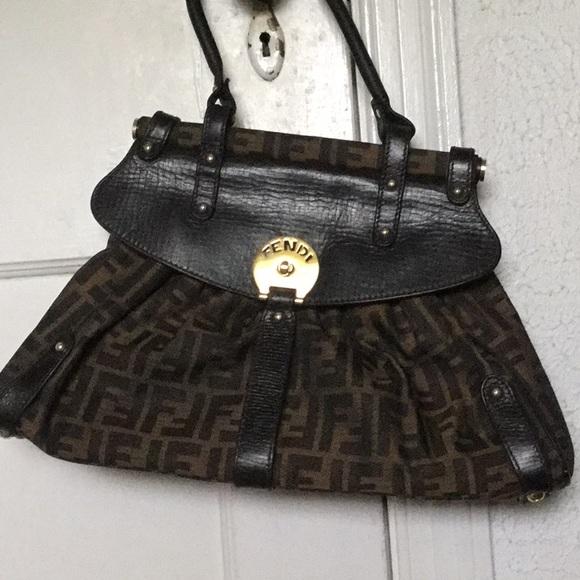 Fendi Handbags - Fendi Zucca bag